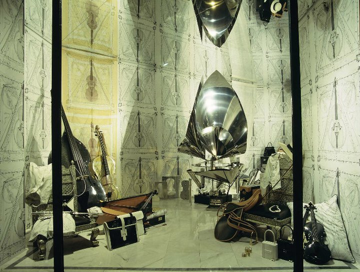 best-window-displays_hermes_1996_spring_01