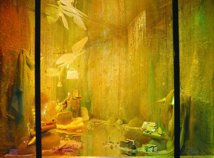 best-window-displays_hermes_2002_winter_01